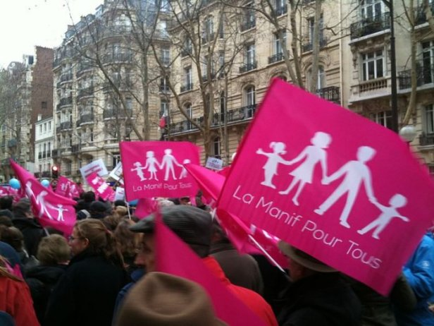 manif-pour-tous-salvatore-tweet-homosexuelite-1-696x522.jpg